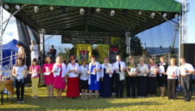 Czytaj więcej o: XVI Powiatowy Przegląd Piosenki Żołnierskiej i Partyzanckiej – Uchanie 2016. Teratyn 15 sierpnia 2016